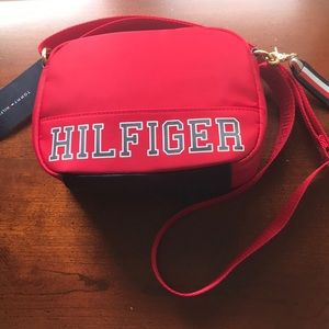 TOMMY HILFIGER Crossbody bag red and navy NWT